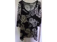 MARKS AND SPENCER TOP. SIZE 12