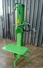 Log splitter 16 ton model