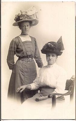 Lovely Big Victorian High Fashion Hat Women Ladies 1900s Antique Photo