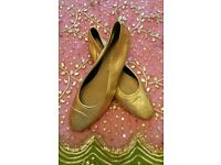 Nearly New Gold 100% Leather Pumps: Lining & Sole. Italian Wooden Heel. Size 41 Excellent Condition