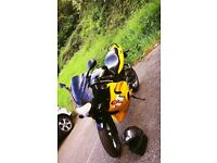 2000 Triumph TT 600 Black and Yellow