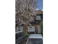 3 Bed Mid Terraced House to rent in Isleworth- MORETON AVENUE