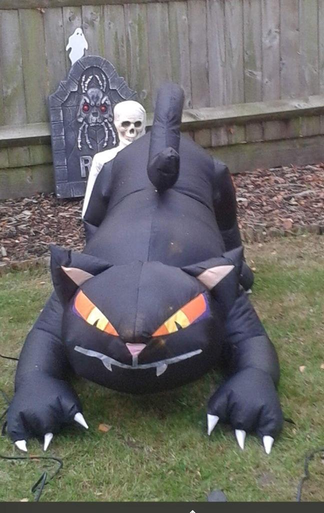 Halloween inflatable air blown black cat