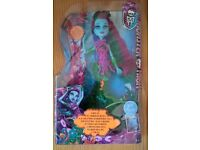 Brand New Boxed Monster High Scarrier Reef Posea doll