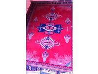 CHARITY SALE: Synthetic silk rug, in good condition. 200x160cm. Money to rescue dogs and cats.