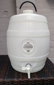 Home brewing kit: 23L pressure barrel and fermention bucket with lid. Used once