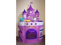 Deluxe Disney Princess Talking kitchen with realistic kitchen sounds Batteries included