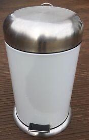 Metal Pedal Bin -Ivory Colour