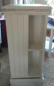 Revolving bookcase - shabby chic