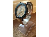 Weesky Starfish Pattern Quartz Watch with Wood Grain Leather Strap