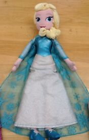 Disney soft toy dolls (Elsa from Frozen + Minnie Mouse)