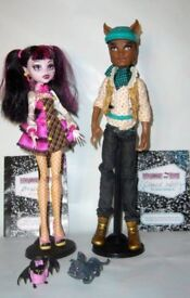 Monster High Dolls Clawd Wolf and Draculaura & Accessories