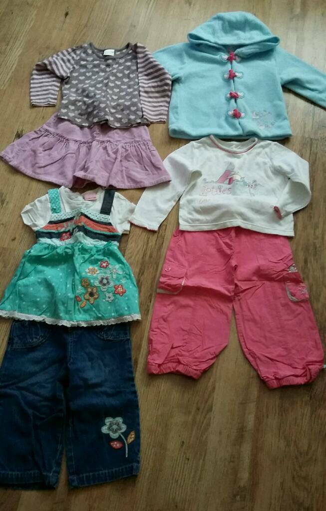 Girls 2/3 piece clothing sets age 2-3 yrs