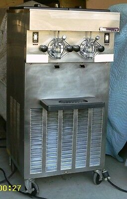 Saniserv 624 Shakeslushfrosted Cocktail Machine - Most Capacity For The