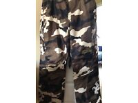 Snowboarding trousers size 10/12