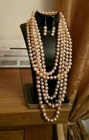 Real freshwater pearl necklace with earrings