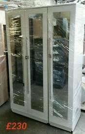 Beautiful 3 door wardrobe with mirrors