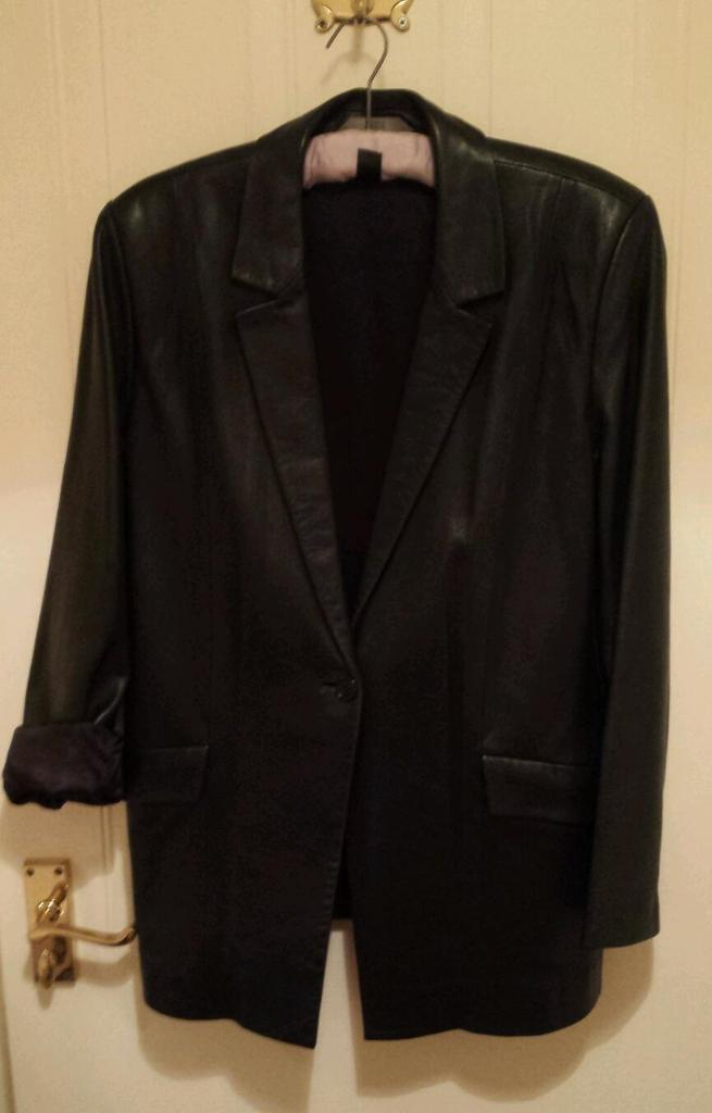 Black leather jacket, ladies UK size 14 boyfriend stylein Stoke on Trent, StaffordshireGumtree - A black leather boyfriend style leather jacket from Marks and Spencer, UK ladies size 14. Photos shows the full sleeve and also one sleeve rolled up so it can be worn how you want. In excellent condition. From a pet free and smoke free...