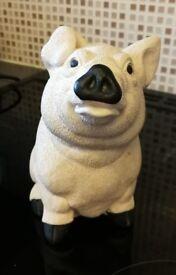 Pig Figurine - Unknown brand/make - No markings - £2