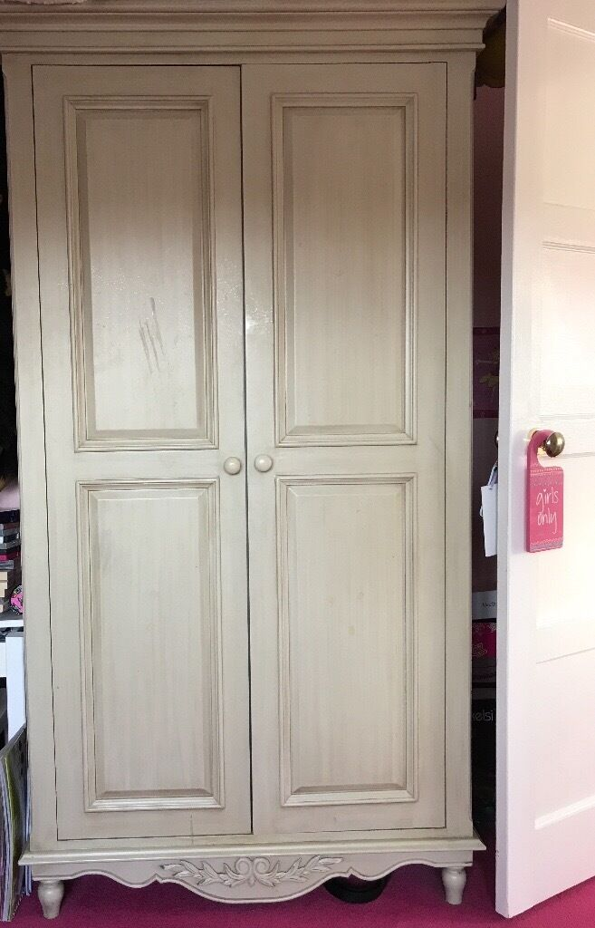 Bedroom furniture Tall boy, wardrobe and chest of drawers ornate decor off white