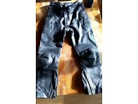 Frank Thomas genuine leather trousers size 32 waist will throw in a pair of gloves too