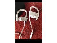 Powerbeats3 wireless by Dr Dre - White