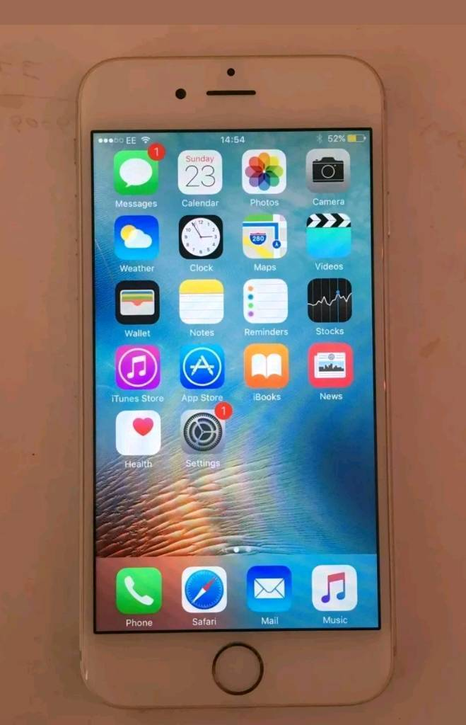 Iphone 6 64GB UNLOCKED silverin Isle of Dogs, LondonGumtree - Hi Im selling this IPhone 64GB UNLOCKED to any network general wear and tear on sides but nothing much screen in perfect condition no Box for more information call me on 07889951808 thanks