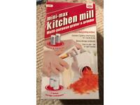 Kitchen mill - multipurpose grater and grinder