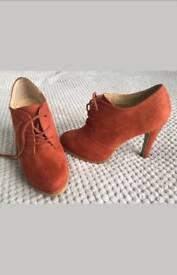 Ladies heels size 6.5