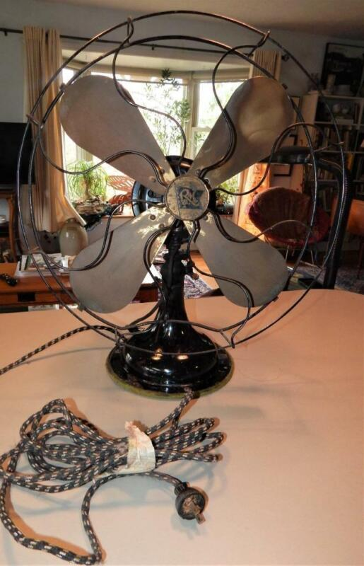 Antique Robbins + Myers 3845 Brass Blade Electric Oscillating Table Fan / Works