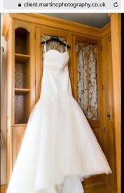 Stunning wedding dress size 12