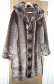 SIZE 16 FAUX FUR QUILTED COAT REVERSIBLE LUXURY FUR BRAND NEW