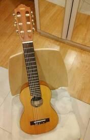 Yamaha Guitalele, 6 steel strings, beginners, portable!