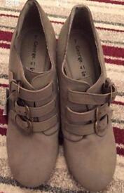 Women's wedge shoe