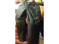 Pair of NEW SMAUG Men's Armoured Bikers Protective Trousers Size M