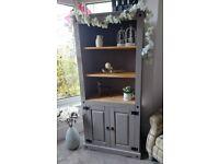 Dresser / Display Unit