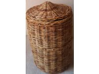 Large Natural Wicker Storage /Laundry Basket