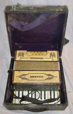 Hohner Vintage 8 Bass Piano Accordian 22 Keys 2 Octaves Original Case (O) AS IS
