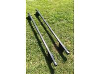 Thule roof bars and grips