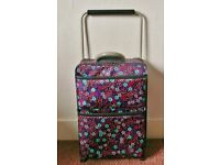 Womens Pink Mauve Red Floral Landor Hawa Sub Zero G Worlds Lightest Hand Luggage Wheeled Suitcase