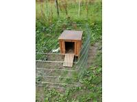 Hen house / hutch and run