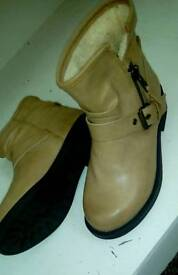 Brand New Girls New Look Leather boots size 3