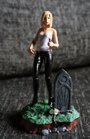"BUFFY THE VAMPIRE SLAYER - RARE Toyfare Exclusive ""short hair"" figure"