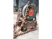 Heavy duty lifting chain / Crain system, Made in England, 1 Ton Load quick sale