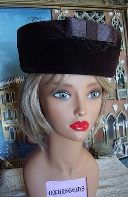 Vintage Fashionable Brown Velvet Women's Hat Satin Trim 1940's Beautiful Elegant