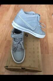Nike SellWood Mid UK 7
