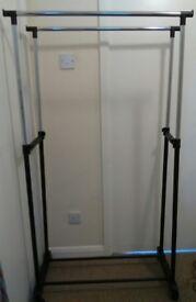 Adjustable Double Clothes Rail.