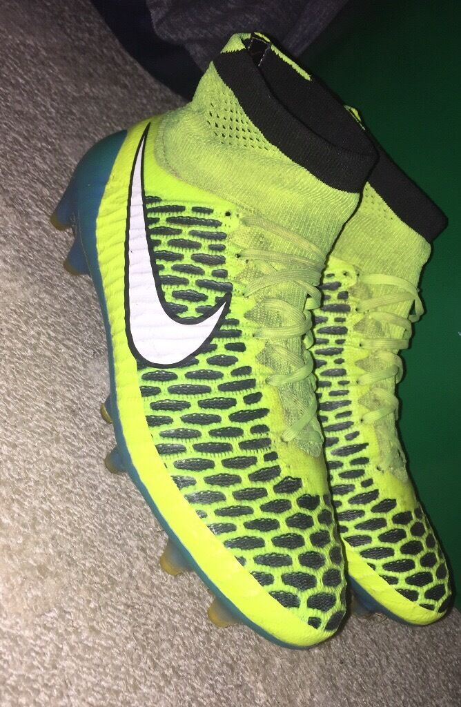 FOOTBALL SOCK BOOTSin Moira, County ArmaghGumtree - NIKE FOOTBALL SOCK BOOTS SIZE 4.5 NOT BAD CONDITION CHEAP FOR THE PRICE CONSIDERING THEY WERE £180 BRAND NEW