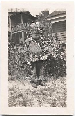 1930s Orig Vintage Halloween Photo Boy Dressed in Native American Indian Costume - 1930s Halloween Costumes