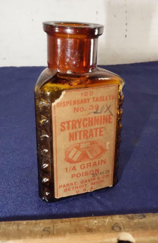 Antique Triangular Poison Bottle w/ Original Label Parke Davis Co !